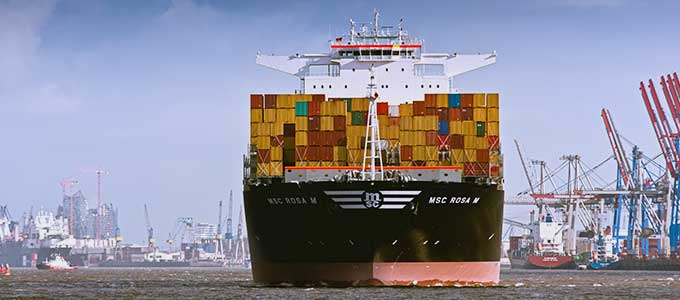 Image: ADventas Management Consulting: Container ship at Hamburg Harbor
